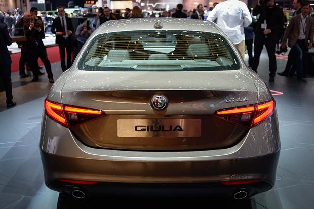 2017 Alfa Romeo Giulia: Geneva Auto Show featured image large thumb2