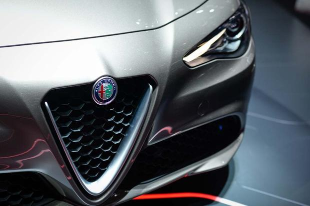 2017 Alfa Romeo Giulia: Geneva Auto Show featured image large thumb4
