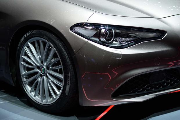 2017 Alfa Romeo Giulia: Geneva Auto Show featured image large thumb5