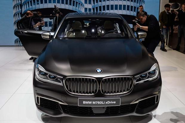 2017 BMW M760i xDrive: Geneva Auto Show featured image large thumb2