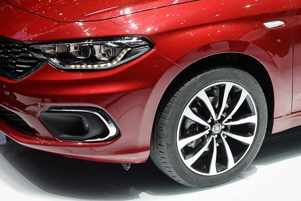 2017 FIAT Tipo: Geneva Auto Show featured image large thumb2