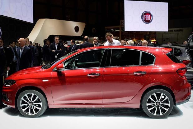 2017 FIAT Tipo: Geneva Auto Show featured image large thumb3