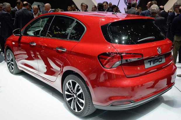 2017 FIAT Tipo: Geneva Auto Show featured image large thumb4