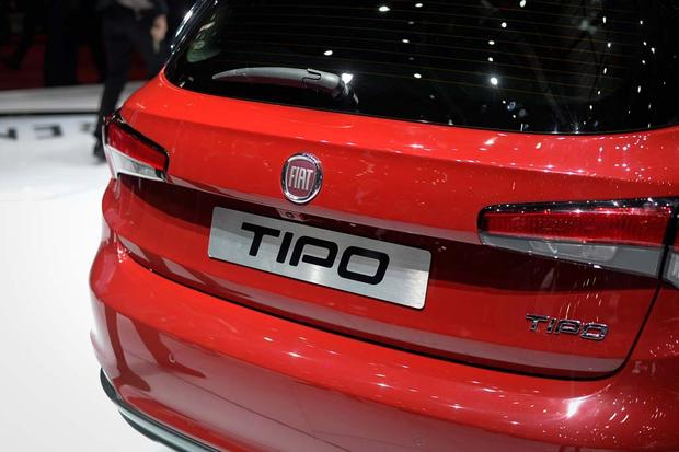 2017 FIAT Tipo: Geneva Auto Show featured image large thumb7
