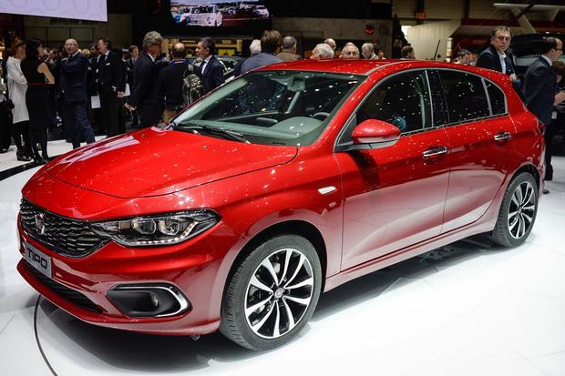 2017 FIAT Tipo: Geneva Auto Show featured image large thumb0