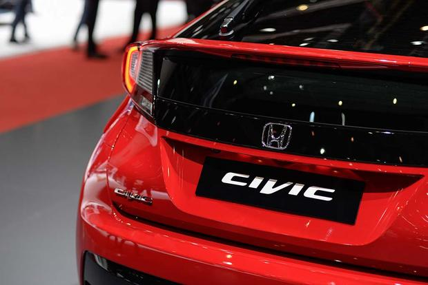 2017 Honda Civic Hatchback: Geneva Auto Show featured image large thumb5