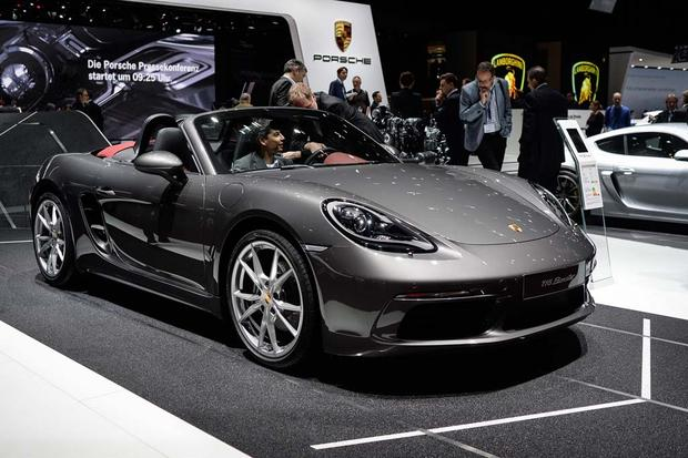 2017 Porsche 718 Boxster, 718 Cayman and 2017 Porsche 911 R: Geneva Auto Show