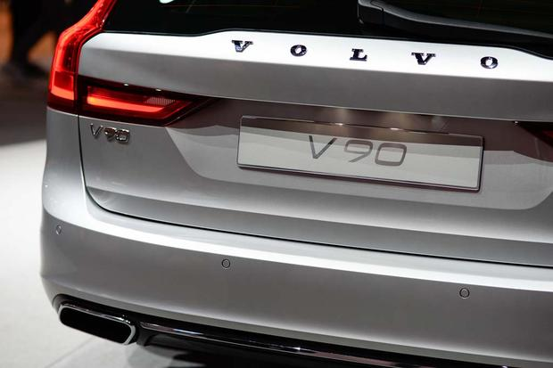 2017 Volvo V90: Geneva Auto Show featured image large thumb5