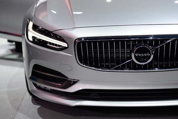 2017 Volvo V90: Geneva Auto Show featured image large thumb6