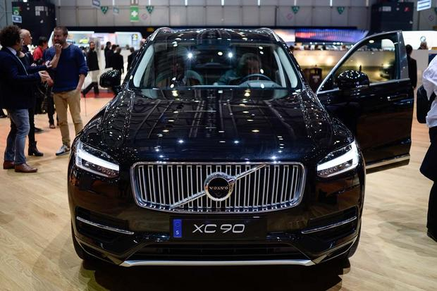2017 Volvo V90: Geneva Auto Show featured image large thumb9