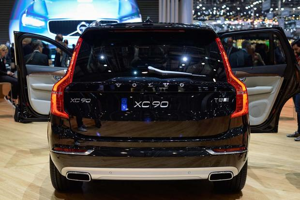 2017 Volvo V90: Geneva Auto Show featured image large thumb11