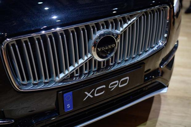 2017 Volvo V90: Geneva Auto Show featured image large thumb15