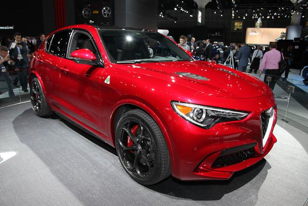 2018 Alfa Romeo Stelvio: LA Auto Show featured image large thumb0