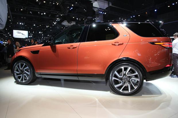 2017 Land Rover Discovery: LA Auto Show featured image large thumb2