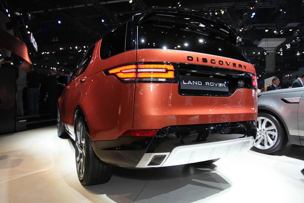 2017 Land Rover Discovery: LA Auto Show featured image large thumb3