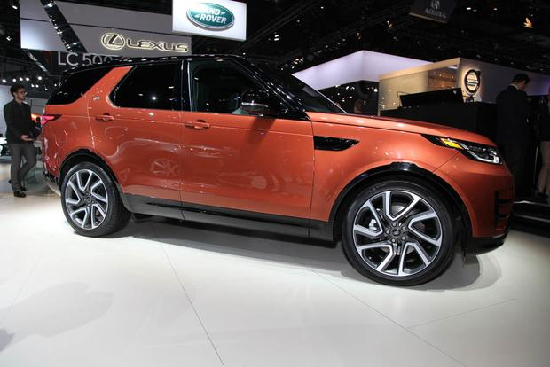 2017 Land Rover Discovery: LA Auto Show featured image large thumb6