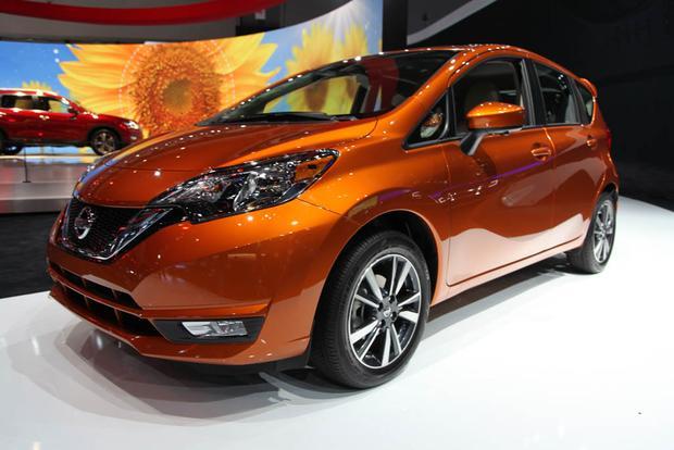 2017 Nissan Versa Note and Nissan Sentra NISMO: LA Auto Show