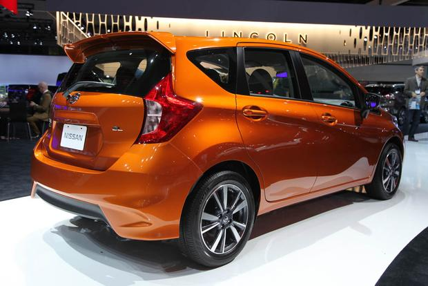 2017 Nissan Versa Note and Nissan Sentra NISMO: LA Auto Show featured image large thumb5