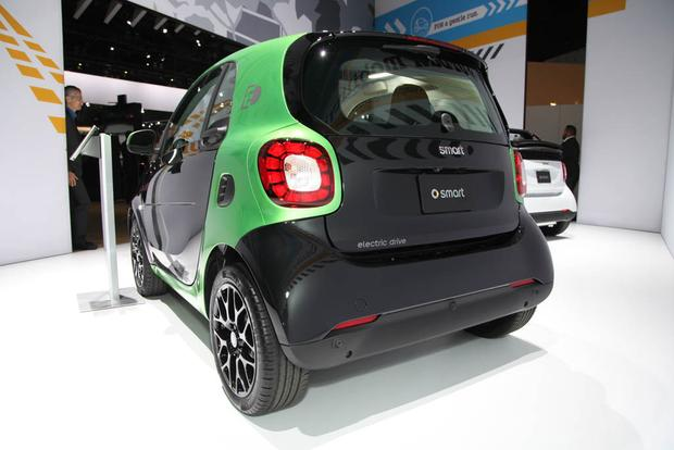 2017 Smart Fortwo Electric Drive La Auto Show Featured Image Large Thumb3