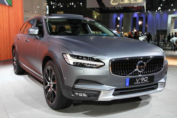 2017 Volvo V90 Cross Country: LA Auto Show