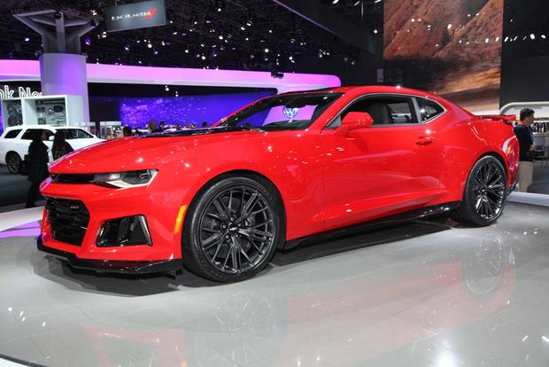 2017 Chevrolet Camaro ZL1: New York Auto Show featured image large thumb1
