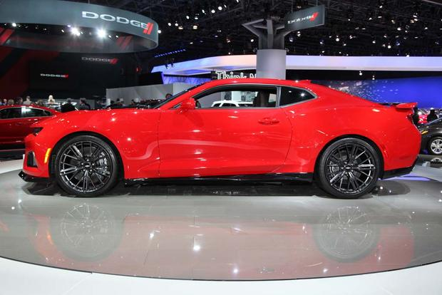2017 Chevrolet Camaro ZL1: New York Auto Show featured image large thumb2