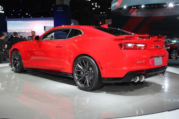 2017 Chevrolet Camaro ZL1: New York Auto Show featured image large thumb3