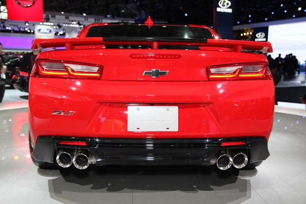 2017 Chevrolet Camaro ZL1: New York Auto Show featured image large thumb4