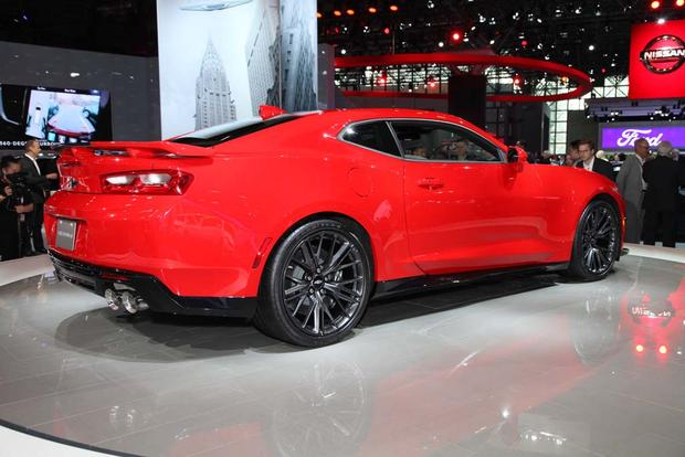 2017 Chevrolet Camaro ZL1: New York Auto Show featured image large thumb5