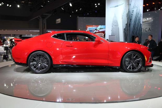 2017 Chevrolet Camaro ZL1: New York Auto Show featured image large thumb6