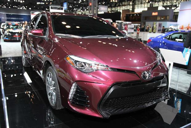 2017 Toyota Corolla: New York Auto Show featured image large thumb0