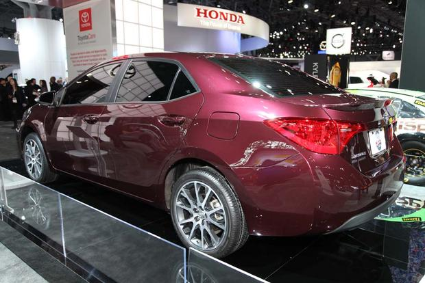 2017 Toyota Corolla: New York Auto Show featured image large thumb6