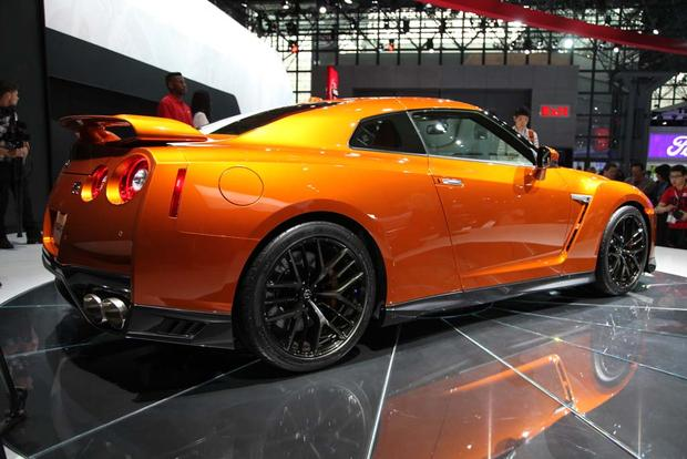 2017 Nissan GT-R: New York Auto Show featured image large thumb7