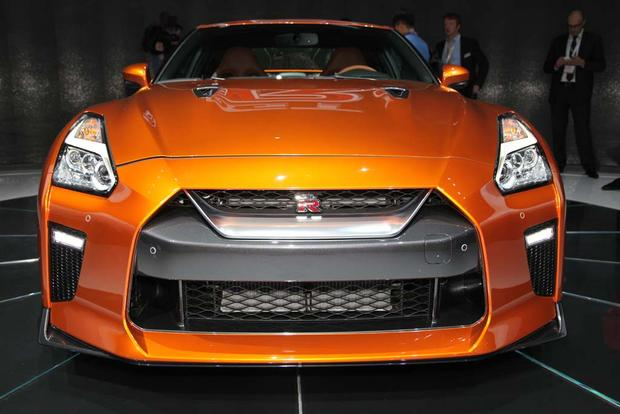 2017 Nissan GT-R: New York Auto Show featured image large thumb13