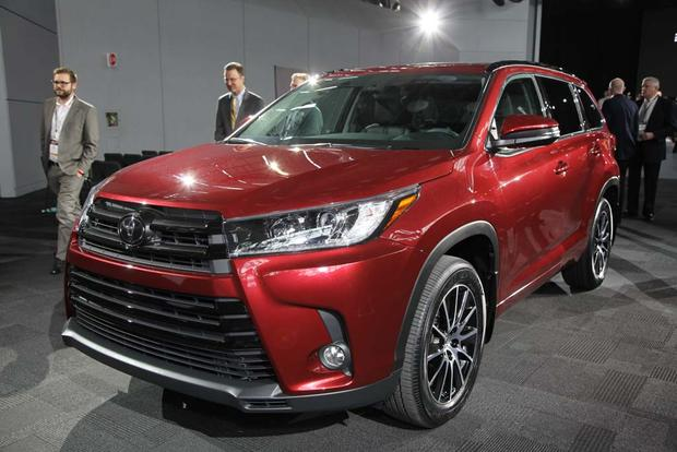 2017 Toyota Highlander: New York Auto Show featured image large thumb1