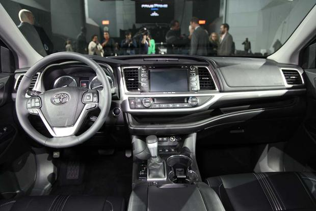 2017 toyota highlander new york auto show autotrader. Black Bedroom Furniture Sets. Home Design Ideas