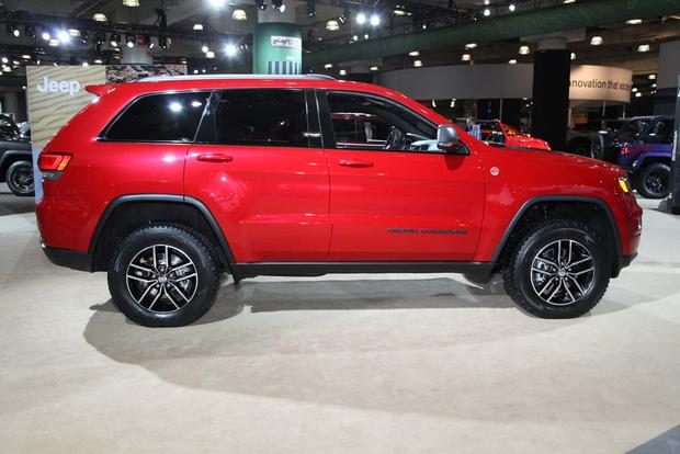 2017 Jeep Grand Cherokee Trailhawk: New York Auto Show featured image large thumb2