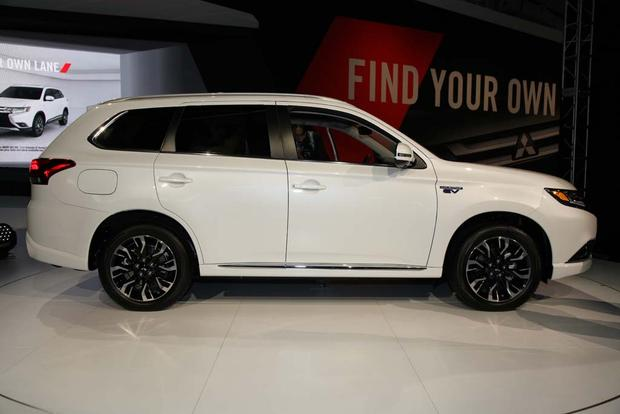 2017 Mitsubishi Outlander Phev And Mirage G4 New York Auto Show Featured Image