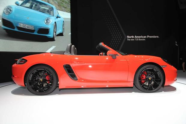 2016 Porsche 911 R and 2017 Porsche 718 Boxster and Macan: New York Auto Show featured image large thumb9