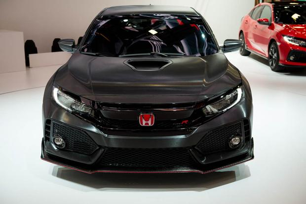 Honda Civic Type R: Paris Auto Show featured image large thumb1