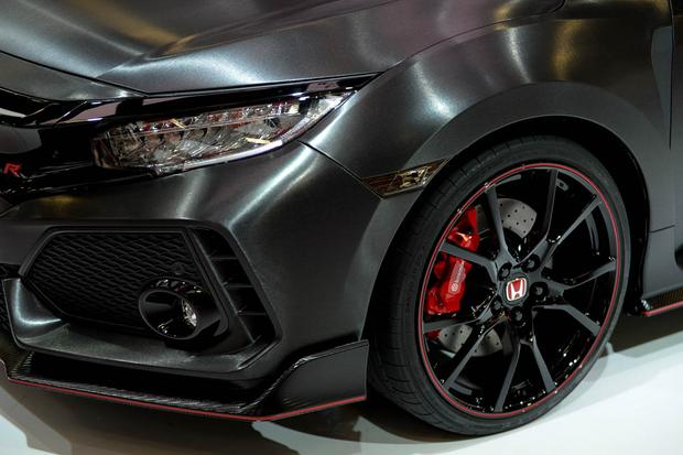 Honda Civic Type R: Paris Auto Show featured image large thumb4