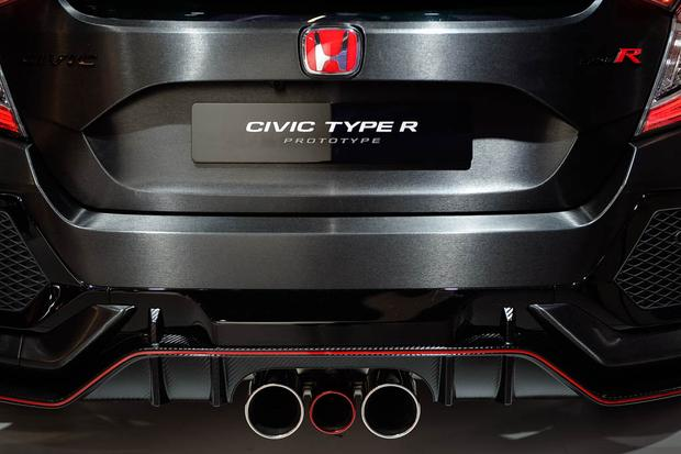 Honda Civic Type R: Paris Auto Show featured image large thumb9