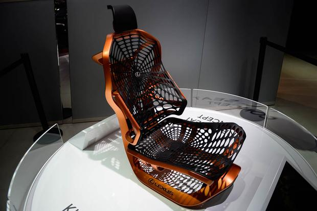 Lexus UX and Kinetic Seat Concepts: Paris Auto Show featured image large thumb9