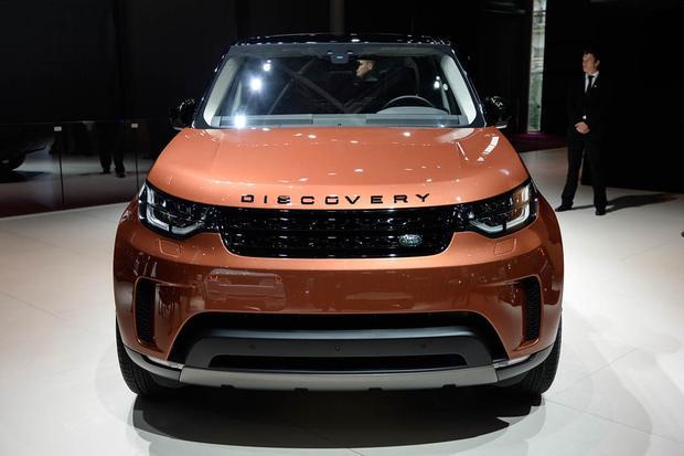 land rover discovery paris auto show autotrader. Black Bedroom Furniture Sets. Home Design Ideas