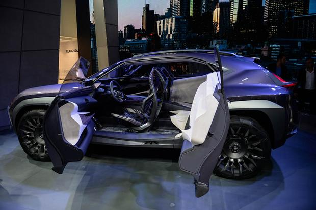 Lexus UX and Kinetic Seat Concepts: Paris Auto Show featured image large thumb2