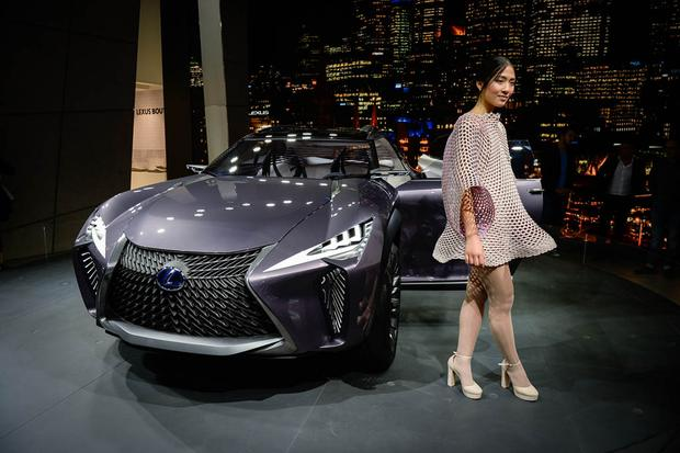Lexus UX and Kinetic Seat Concepts: Paris Auto Show featured image large thumb3