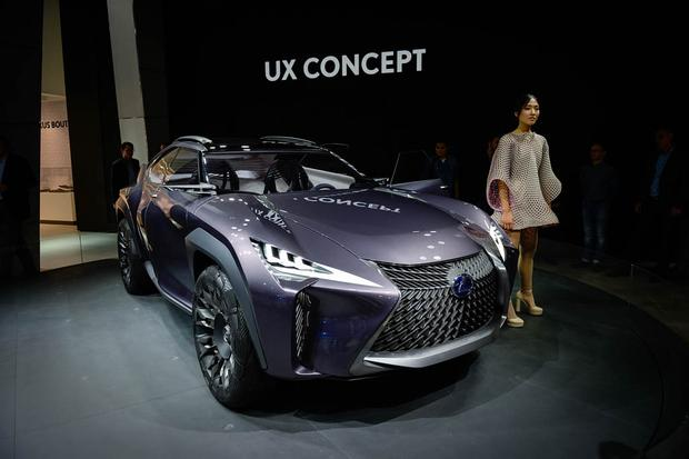 Lexus UX and Kinetic Seat Concepts: Paris Auto Show