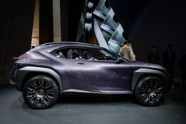 Lexus UX and Kinetic Seat Concepts: Paris Auto Show featured image large thumb5