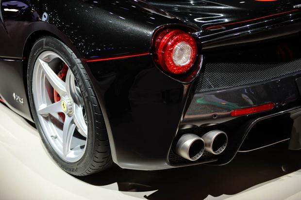 LaFerrari Aperta: Paris Auto Show featured image large thumb4