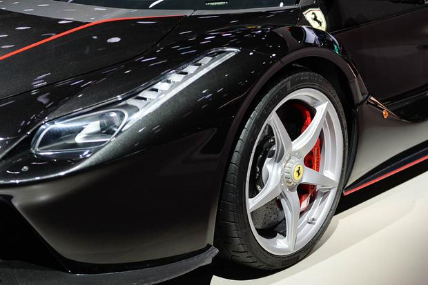 LaFerrari Aperta: Paris Auto Show featured image large thumb7